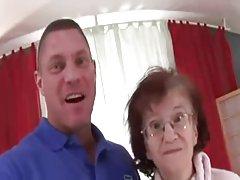 76 let stare tanke babica marcela zanič zajebal in cummed na